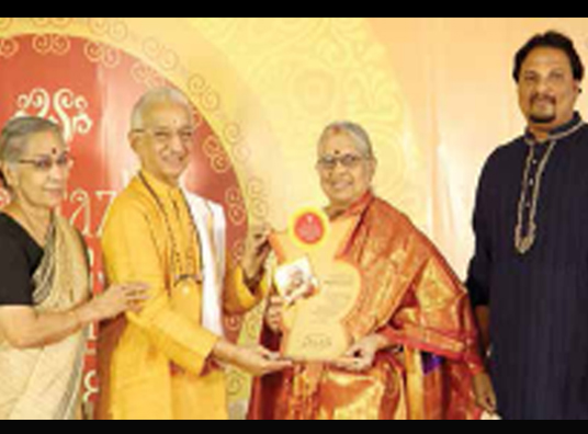 Prof S. Rajeswari was honoured by Sahana Fine Arts
