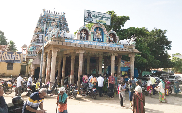 HERITAGE STHALAMS <br /> A triad of Siva temples along the Akhanda Cauvery <br /> by Sriram V